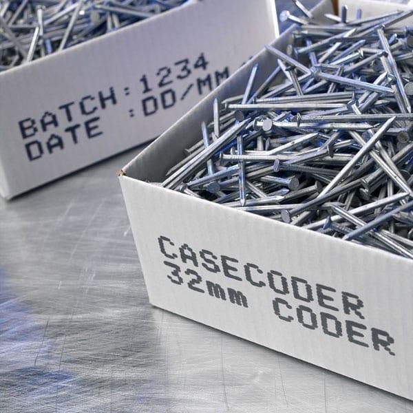 Esempio-di-marcatura-su-cartoni-Sistema-di-stampa-a-grande-carattere-Domino-CaseCoder