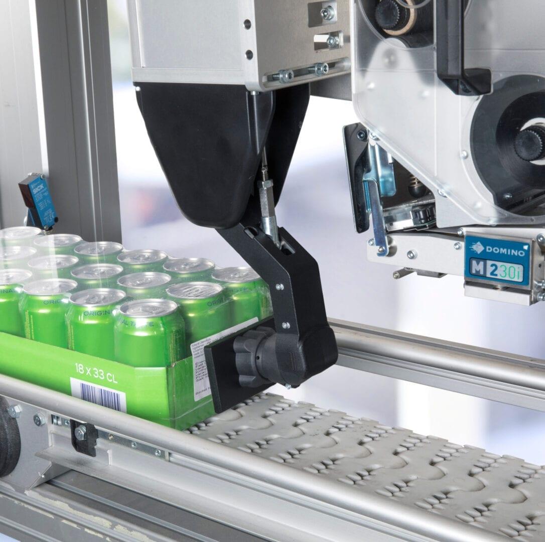 Sistemi Stampa e Applica Domino M230i-S e SP - Applicazione Etichette